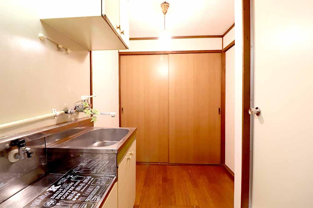 上津:キッチン